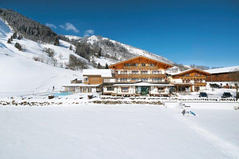 Chalets Ponyhof Hollaus - Salcbursko - Rakousko, Fusch an der Grossglocknerstrasse - Lyžařské zájezdy