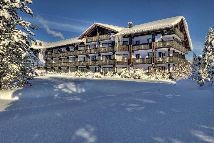 Golf Alpin Wellness Resort Hotel Ludwig Royal Bavorske Alpy Nemecko Oberstaufen Lyzarske Zajezdy